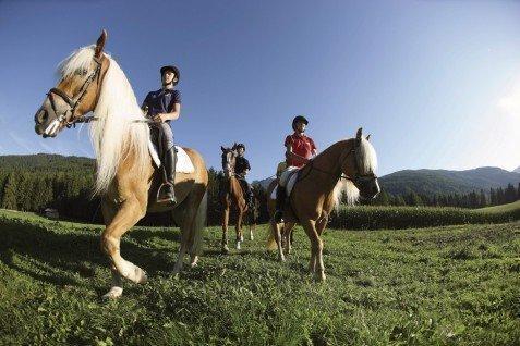 Equitazione al Plan de Corones